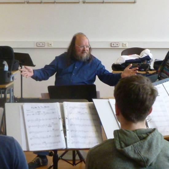 Star-Trompeter coacht Bigband