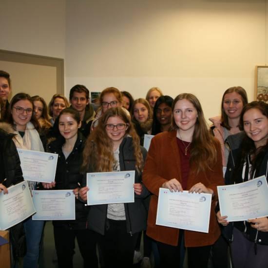 Erfolgreiche Teilnahme an der DELF-Prüfung